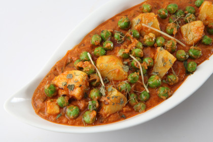 Read more about the article Aloo Mutter Amazing Potato Peas Curry