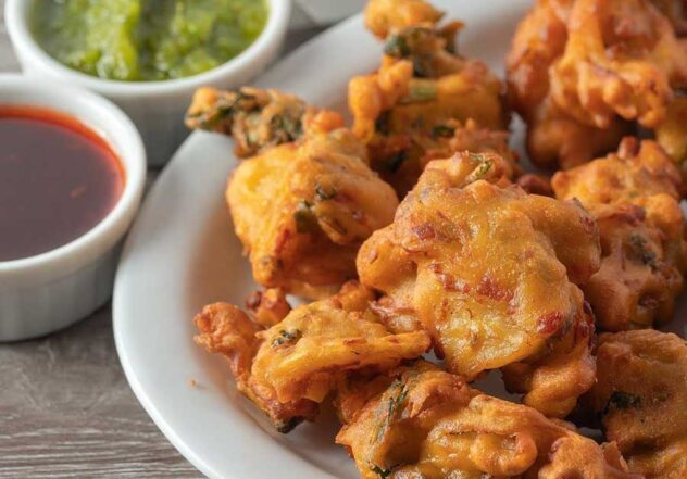 Onion Bhaji | A Favourite Crunchy Indian Starter